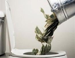 Tirando el dinero en una página web